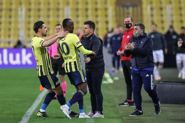 Sarri'nin ekibinde yer almak isteyen Emre Belözoğlu, Şenol Güneş'in teklifini reddetti